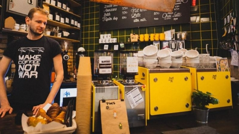 Mina Smart Bar in By Beans Coffee