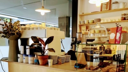 Verde Aceituna combines specialty coffee with arts&crafts! 3